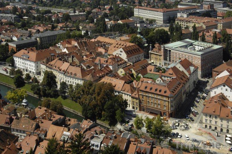 Fotka, Foto Pohled na město z ptačí perspektivy (Lublaň, Slovinsko)
