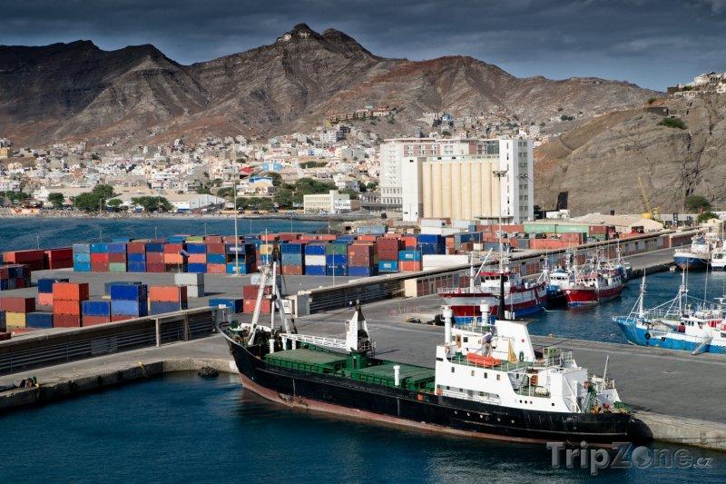 Fotka, Foto Pohled na přístav Porto Grande (Kapverdy)