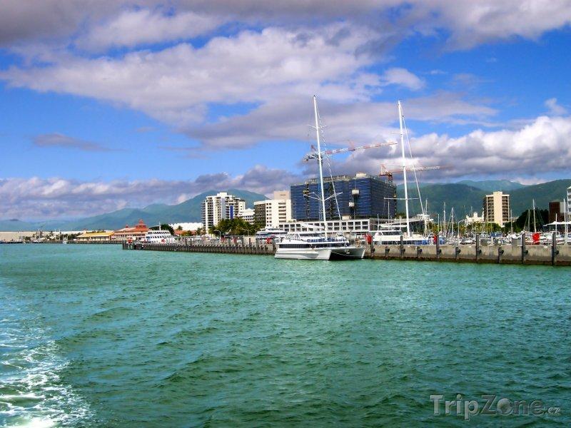 Fotka, Foto Přístav ve městě Cairns (Austrálie)