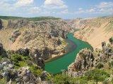 Řeka Zrmanja v severní Dalmácii