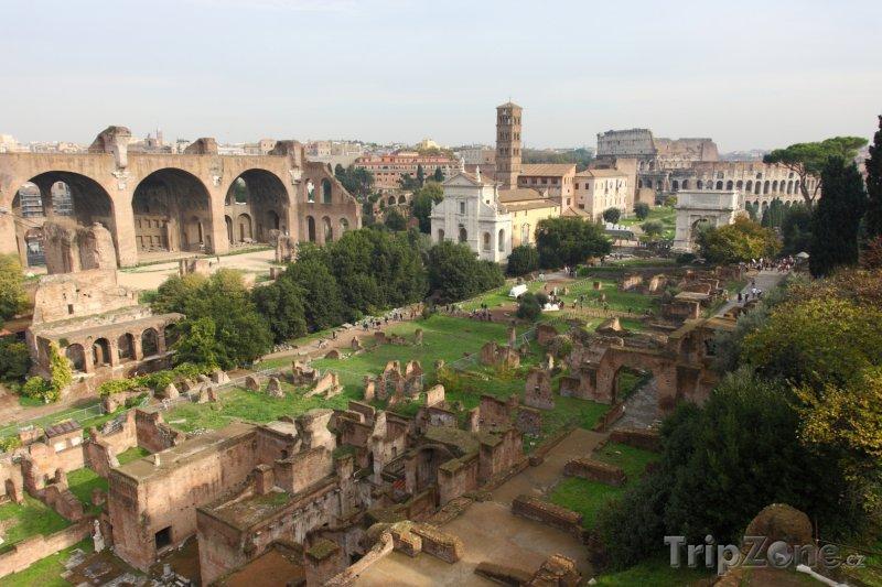 Fotka, Foto Ruiny antického fóra v Římě (Itálie)
