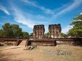Ruiny Královského paláce ve starověkém městě Polonnaruwa