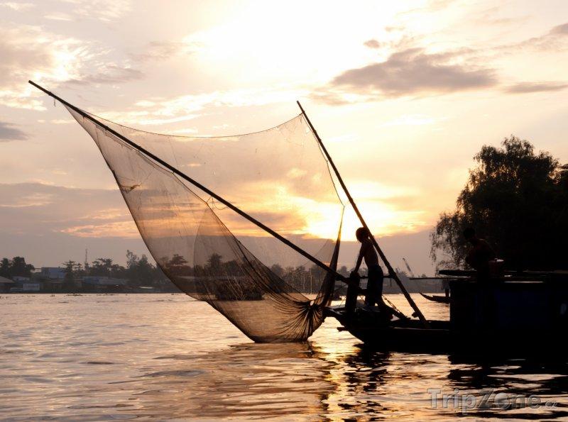 Fotka, Foto Rybář na řece Mekong ve městě Can Tho (Vietnam)