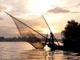 Rybář na řece Mekong ve městě Can Tho