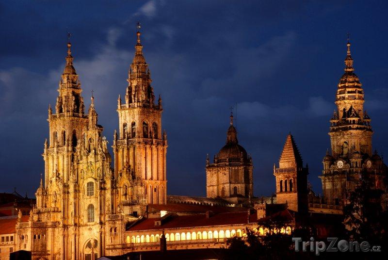 Fotka, Foto Santiago de Compostela, katedrála v noci (Španělsko)