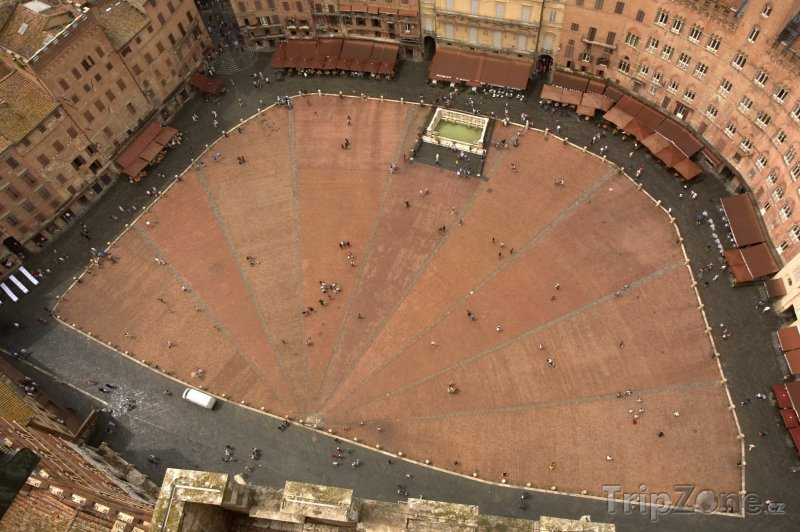 Fotka, Foto Siena - pohled na Piazza del Campo (Itálie)