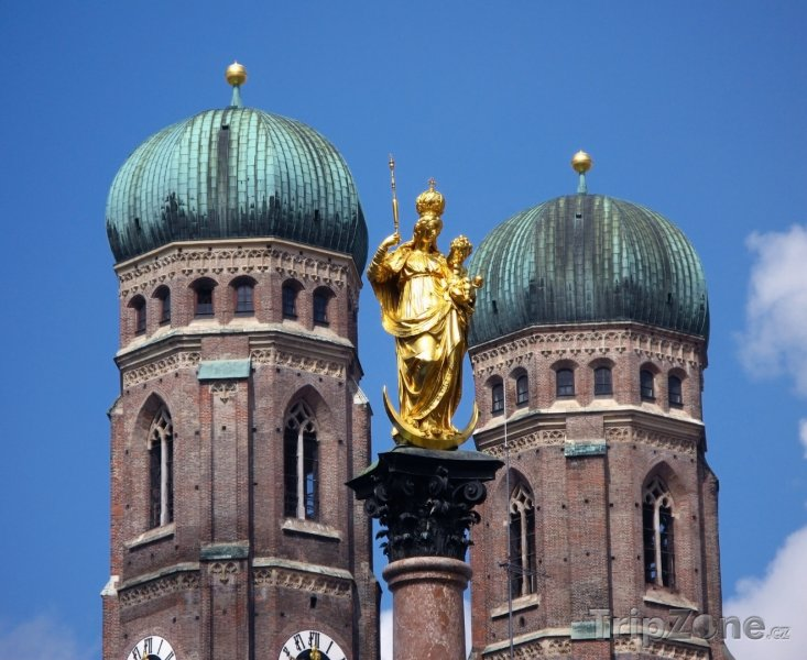 Fotka, Foto Socha Marie před Frauenkirche (Mnichov, Německo)