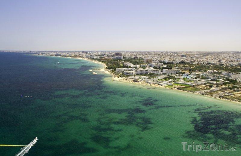 Fotka, Foto Sousse, pobřeží města z ptačí perspektivy (Tunisko)