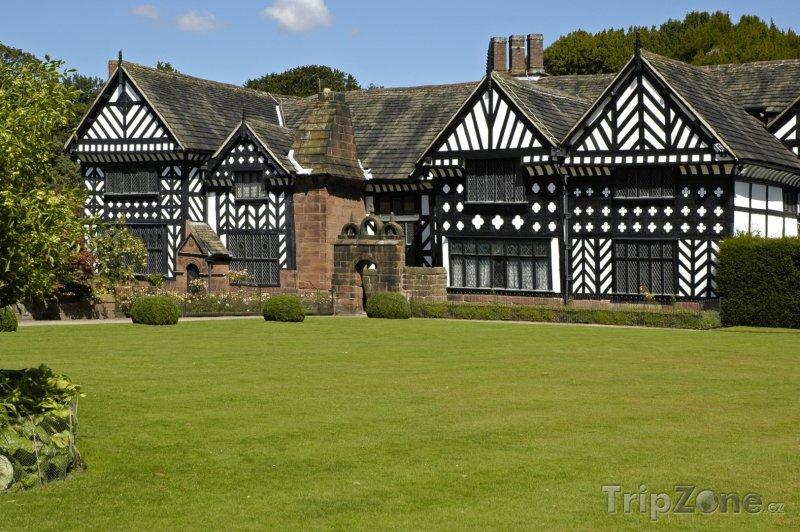 Fotka, Foto Speke Hall, tudorovské domky (Liverpool, Velká Británie)