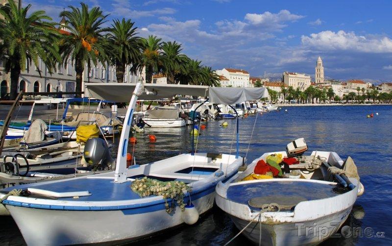 Fotka, Foto Split, loďky v přístavu (Chorvatsko)