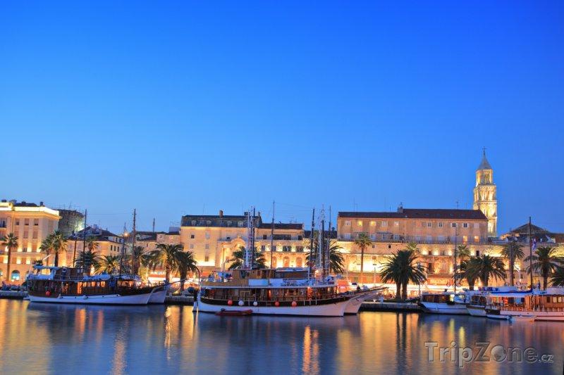Fotka, Foto Split, večerní přístav (Chorvatsko)
