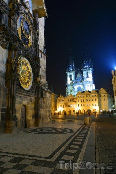 Fotka, Foto Staroměstské náměstí v noci (Česká republika)