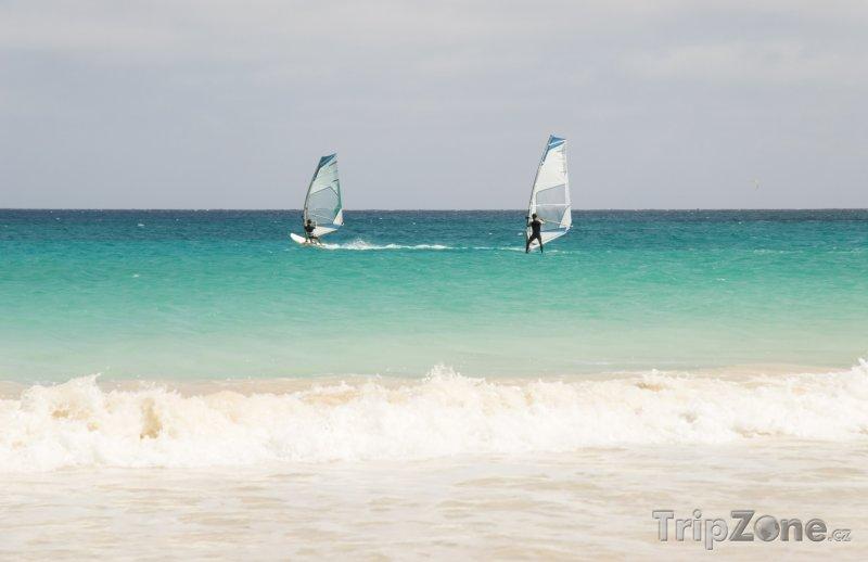 Fotka, Foto Surfování na vlnách Atlantiku (Kapverdy)