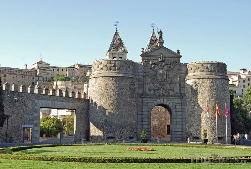 Fotka, Foto Toledo, městská brána Puerta de Bisagra (Španělsko)