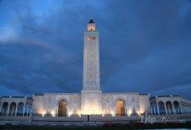 Tunis, mešita v noci