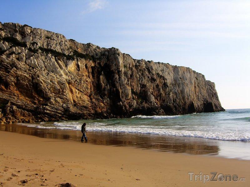 Fotka, Foto Útesy u pláže Sagres (Portugalsko)
