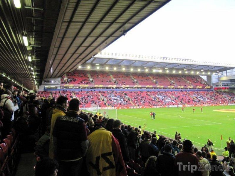 Fotka, Foto Vnitřek stadiónu Anfield (Liverpool, Velká Británie)
