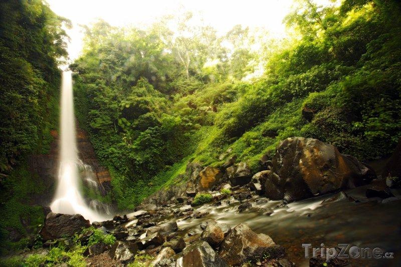 Fotka, Foto Vodopád na ostově Bali (Indonésie)
