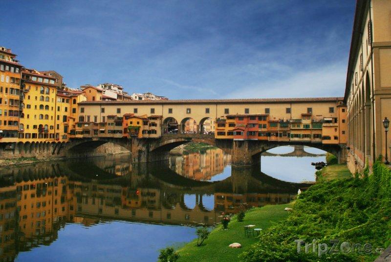 Fotka, Foto Známý most Ponte Vecchio (Florencie, Itálie)