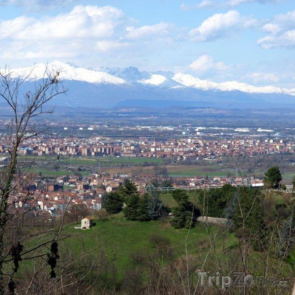 Fotka, Foto Alpy na d městem (Turín, Itálie)