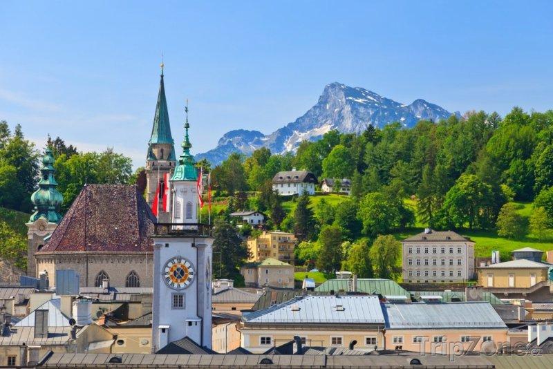 Fotka, Foto Alpy v pozadí města (Salcburk, Rakousko)