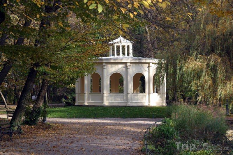 Fotka, Foto Altán v parku Maksimar (Záhřeb, Chorvatsko)