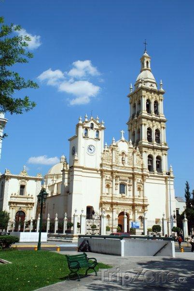 Fotka, Foto Barokní katedrála v Monterrey (Mexiko)
