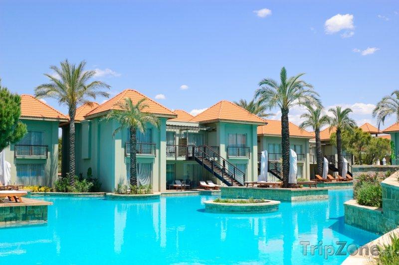 Fotka, Foto Bazén před VIP bungalovy (Antalya, Turecko)