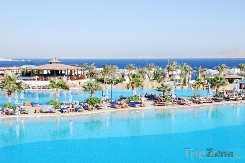 Fotka, Foto Bazény u luxusního hotelu (Sharm El Sheikh, Egypt)