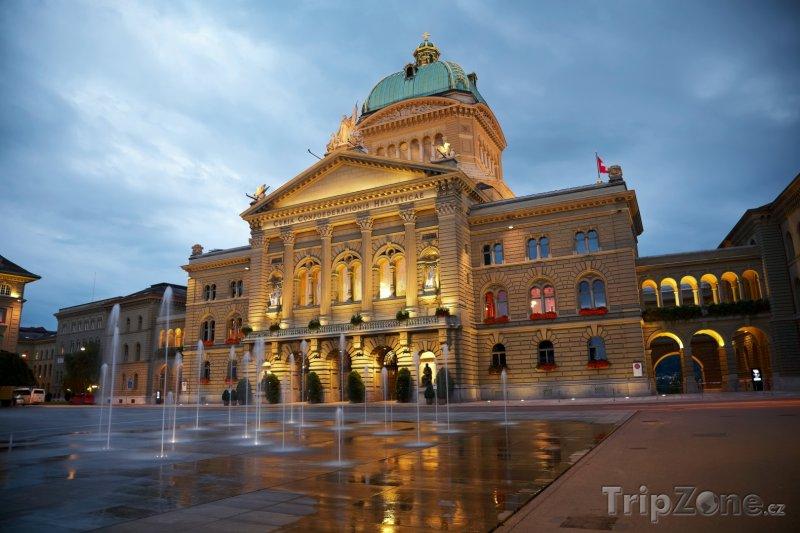 Fotka, Foto Bern - Federální palác, parlament (Švýcarsko)