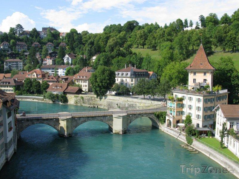 Fotka, Foto Bern - středověký most na řece Aare (Švýcarsko)
