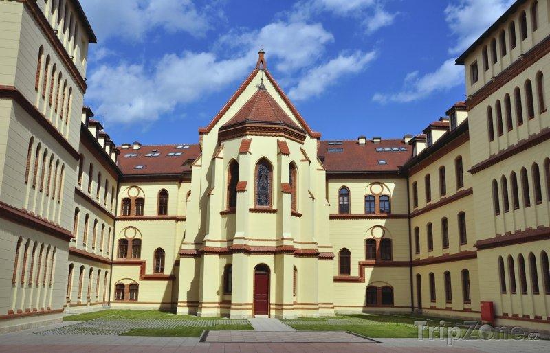 Fotka, Foto Bishopův palác (Záhřeb, Chorvatsko)