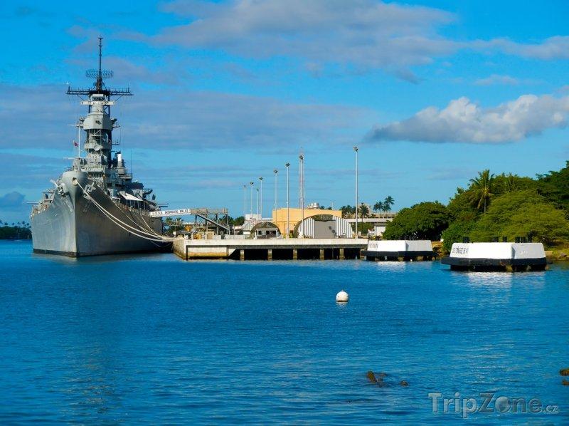 Fotka, Foto Bitevní loď Missouri v Pearl Harbour (Honolulu, USA)