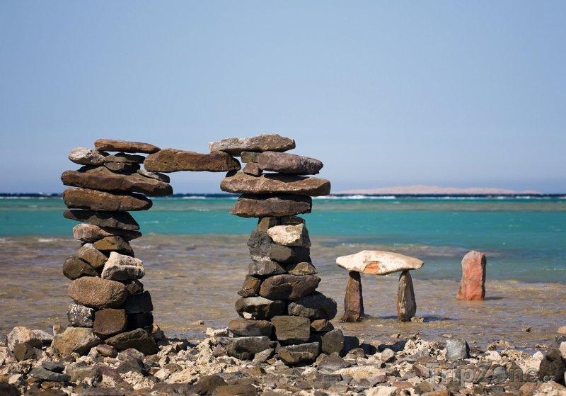 Fotka, Foto Brána z kamenů na pobřeží (Hurghada, Egypt)