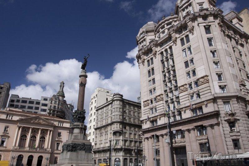 Fotka, Foto Budovy na centrálním náměstí (Sao Paulo, Brazílie)