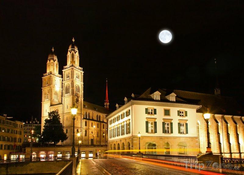 Fotka, Foto Curych - katedrála Grossmunster (Švýcarsko)