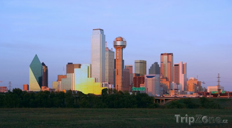 Fotka, Foto Dallas, centrum města za soumraku (USA)