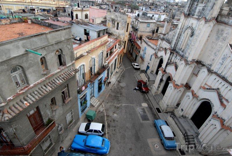 Fotka, Foto Domy ve staré části města La Habana vieja (Havana, Kuba)