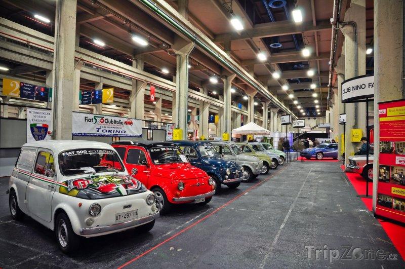 Fotka, Foto Fiaty 500 v Automobilovém muzeu (Turín, Itálie)