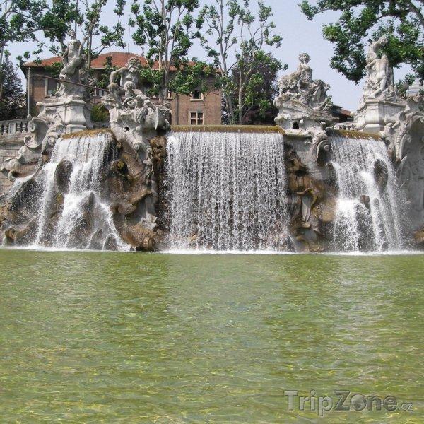 Fotka, Foto Fontána v parku Valentino (Turín, Itálie)