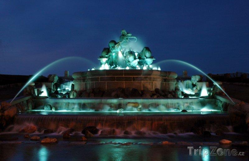 Fotka, Foto Gefionova fontána v noci (Kodaň, Dánsko)
