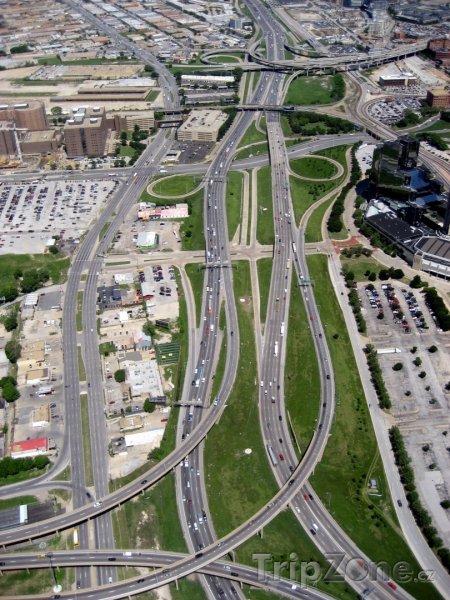 Fotka, Foto Hlavní dopravní tepny z letadla (Dallas, USA)