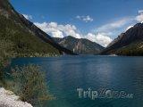 Jezero Plansee v Tyrolsku