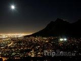 Kapské město v noci