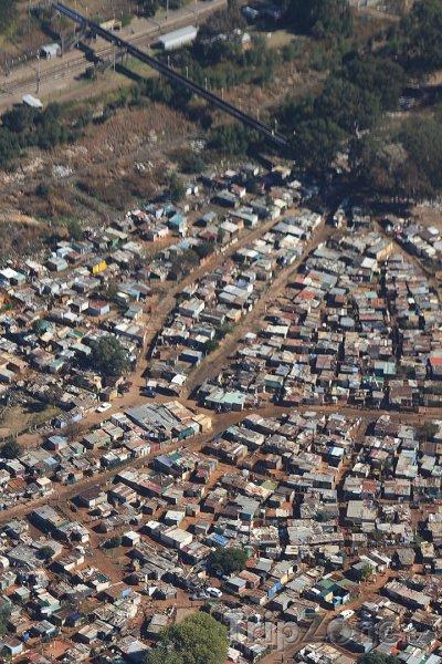 Fotka, Foto Letecký pohled na městskou část Soweto (Johannesburg, Jihoafrická republika)