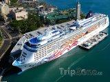 Loď Pride of America kotvící v přístavu