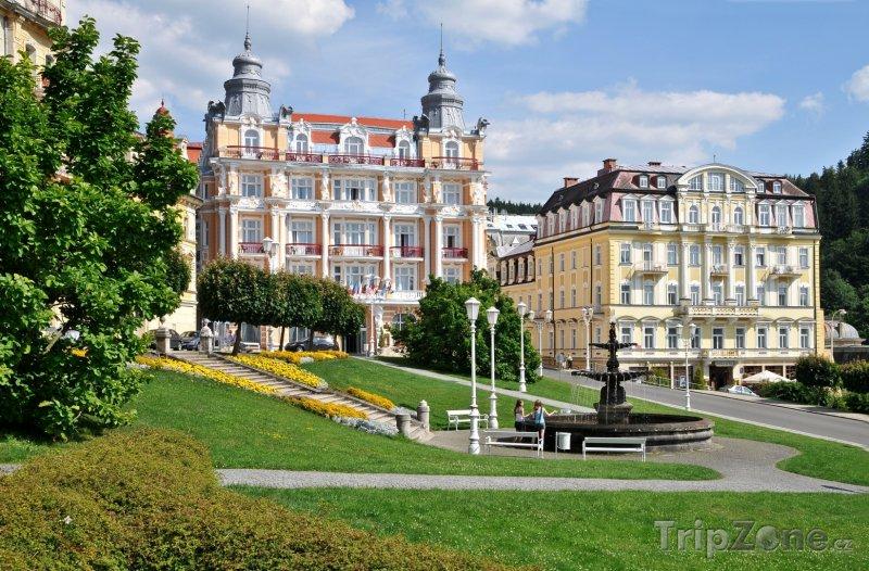 Fotka, Foto Mariánské Lázně, domy v centru (Česká republika)