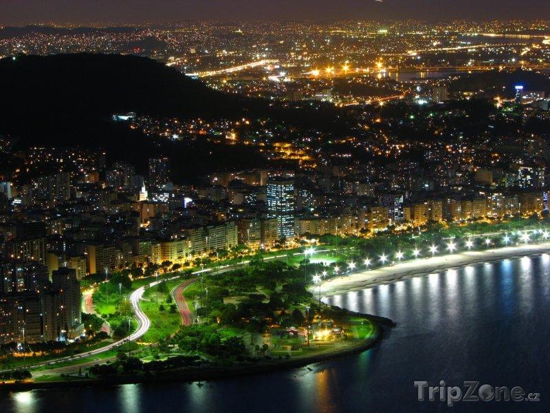 Fotka, Foto Město v noci (Rio de Janeiro, Brazílie)