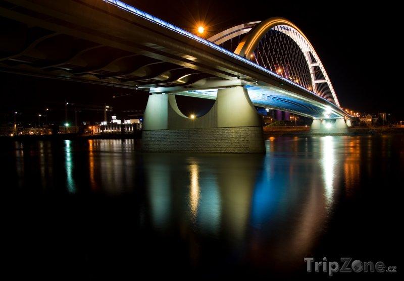Fotka, Foto Most Apollo v Bratislavě (Bratislava, Slovensko)