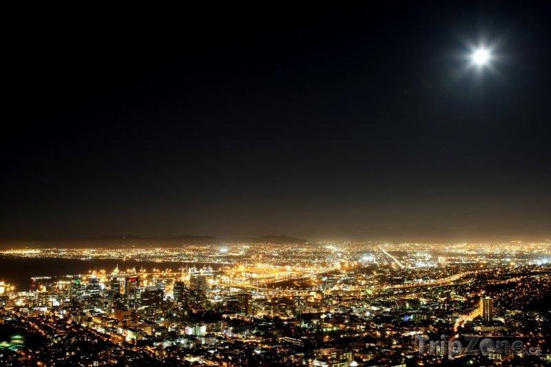 Fotka, Foto Noc v Kapském městě (Kapské město, Jihoafrická republika)